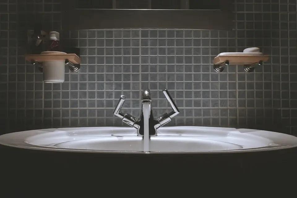 Jakie meble do łazienki wybrać, sposoby na aranżacje łazienki?