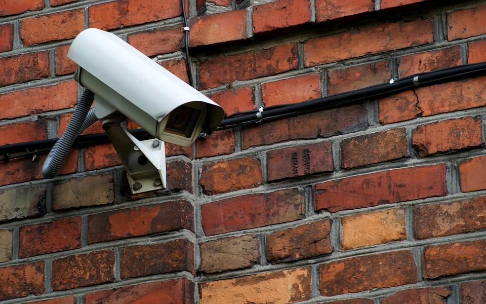 Jaką kamerę wybrać do monitoringu domu, rodzaje kamer?